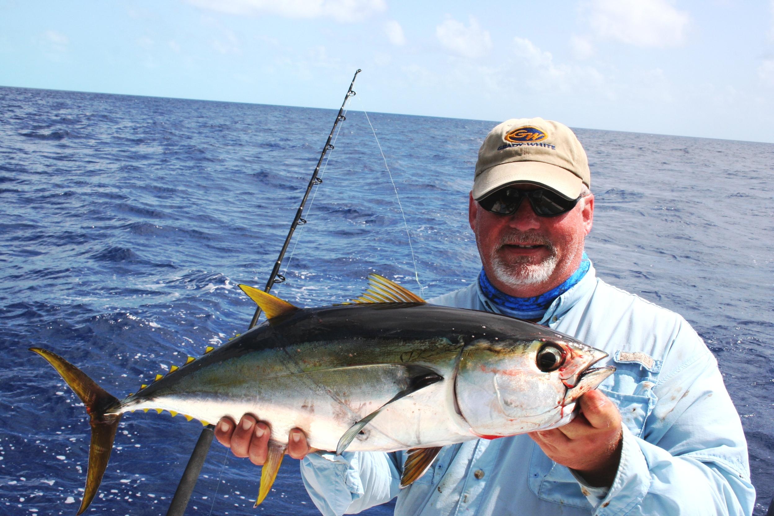 Deep sea reef fishing bahamas bonefishing for Deep sea fishing bahamas